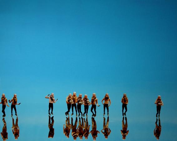 UWIEDZIONY, 80 x 100, płótno, akryl, foto, 2009