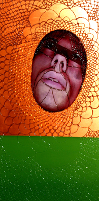 UWIEDZIONY, 100 x 50, akryl, pleksi, foto, 2009